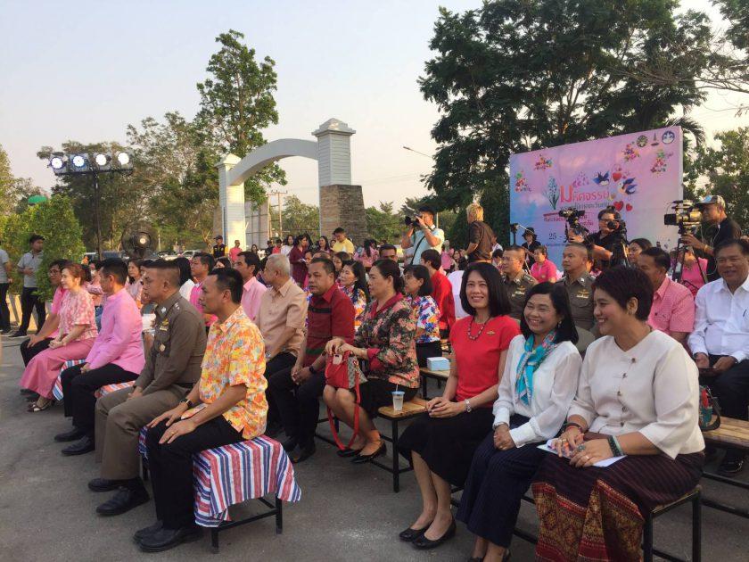 """ผู้อำนวยการการท่องเที่ยวแห่งประเทศไทย สำนักงานราชบุรี ร่วมพิธีเปิดงาน """"มหัศจรรย์พรรณไม้ภาคตะวันตก Ratchaburi in love @เขาชะงุ้ม"""""""